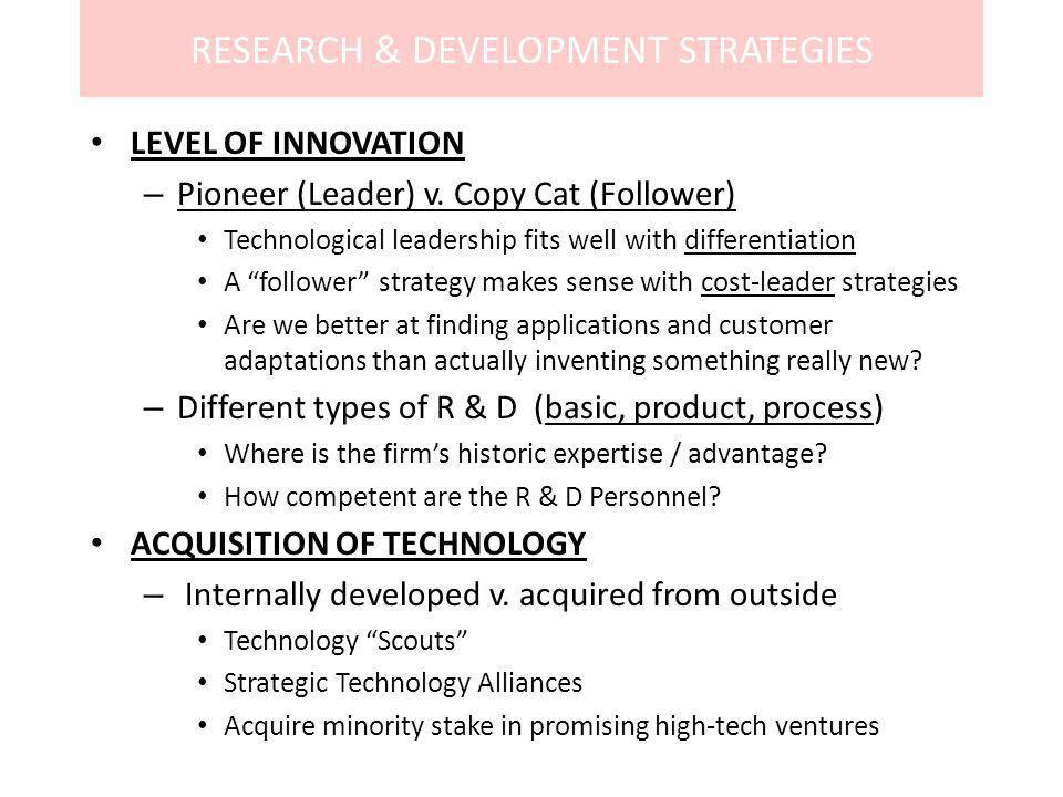 การวิจัย และพัฒนา การเปลี่ยนแปลง โลกเปลี่ยนไป ตลาดเปลี่ยนไป สินค้าเปลี่ยนไป ตลาด เดิม สินค้า เดิม ( เจาะ ตลาด ) ตลาด เดิม สินค้า ใหม่ ( พัฒนา สินค้า ) ตลาด ใหม่ สินค้า เดิม ( ขยาย ตลาด ) ตลาด ใหม่ สินค้า ใหม่ ( นวัตกรร ม ) ตัวแบบธุรกิจเปลี่ยนไป เริ่ม เกิด เติบโ ต อิ่มตัว ถดถ อย กลยุทธ์ธุรกิจ ผู้นำต้นทุน ผู้นำสินค้า มุ่งเน้นเฉพาะ ตลาด ทั่วไป ตลาด เฉพาะ นวัตกรรมสินค้า คุณค่าลูกค้า นวัตกรรมกระบวนการ ผลิต ห่วงโซ่คุณค่า 5 Forces