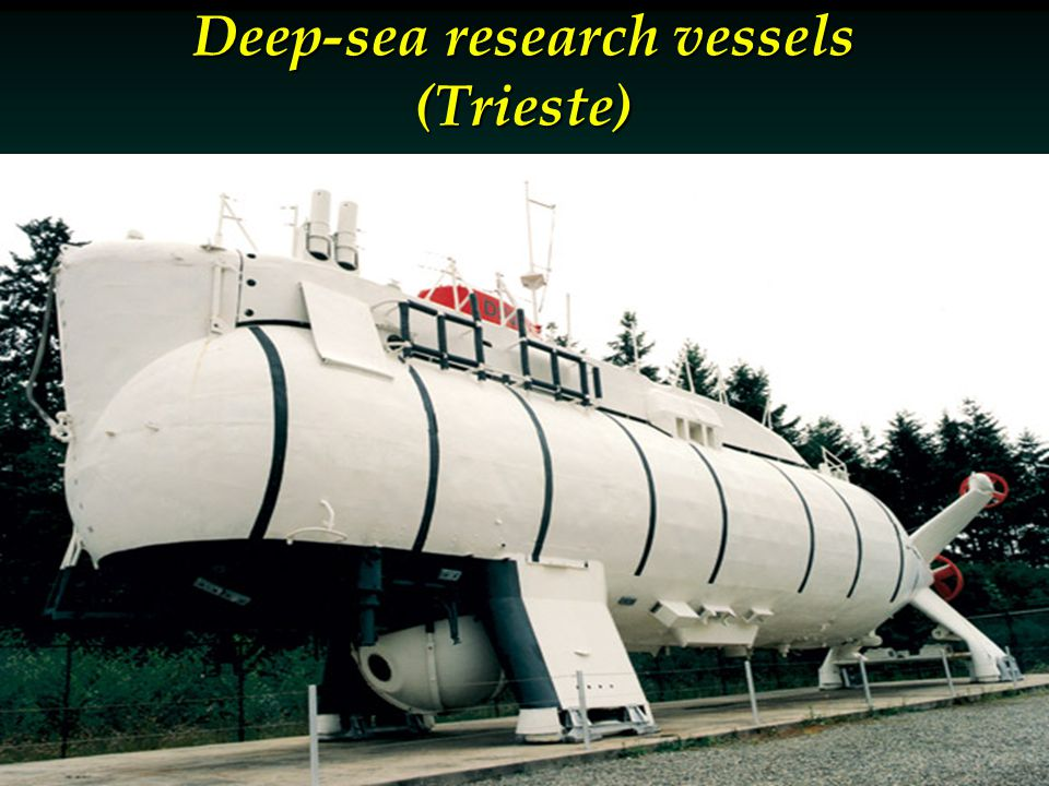 Deep-sea research vessels (Trieste)