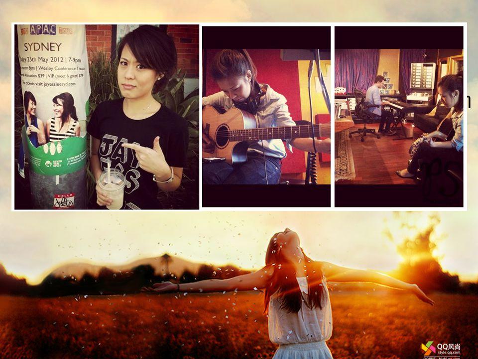 ใน ปี 2010 ทั้ง 2 คนเริ่มทัวคอนเสิร์ตไปยังประเทศต่างๆ เช่น Singapore,